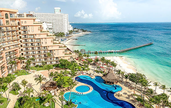 What-its-like-travelling-to-Cancun-durin