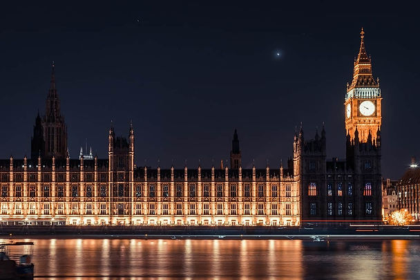 houses-of-parliament-at-night.jpg