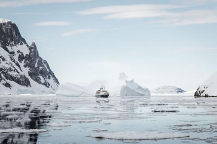 ship and iceberg.jpg