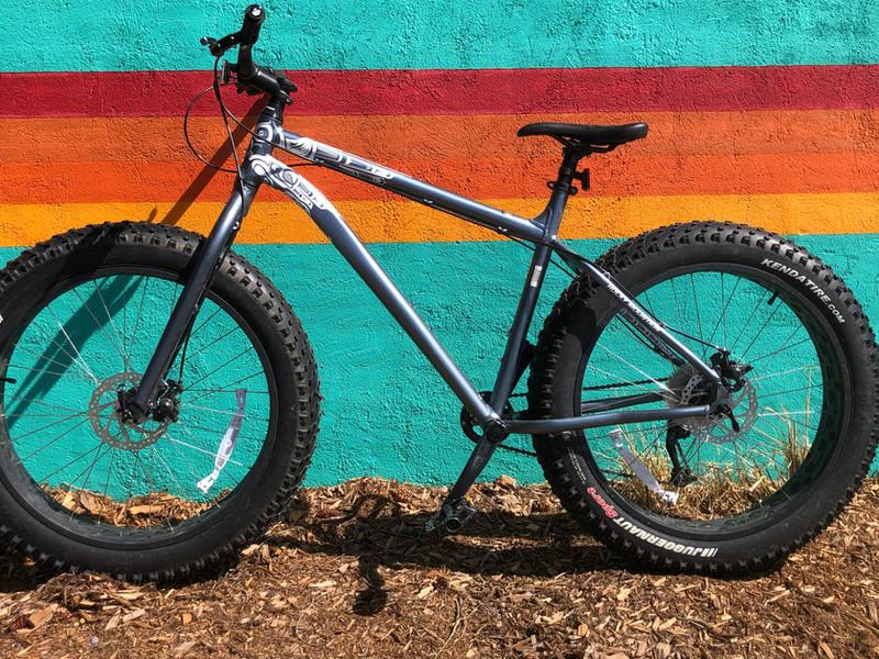 Decal Rocky Mountain bike.jpg