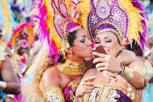 GGSR-Brazil-rio-carnival-ladies.jpg