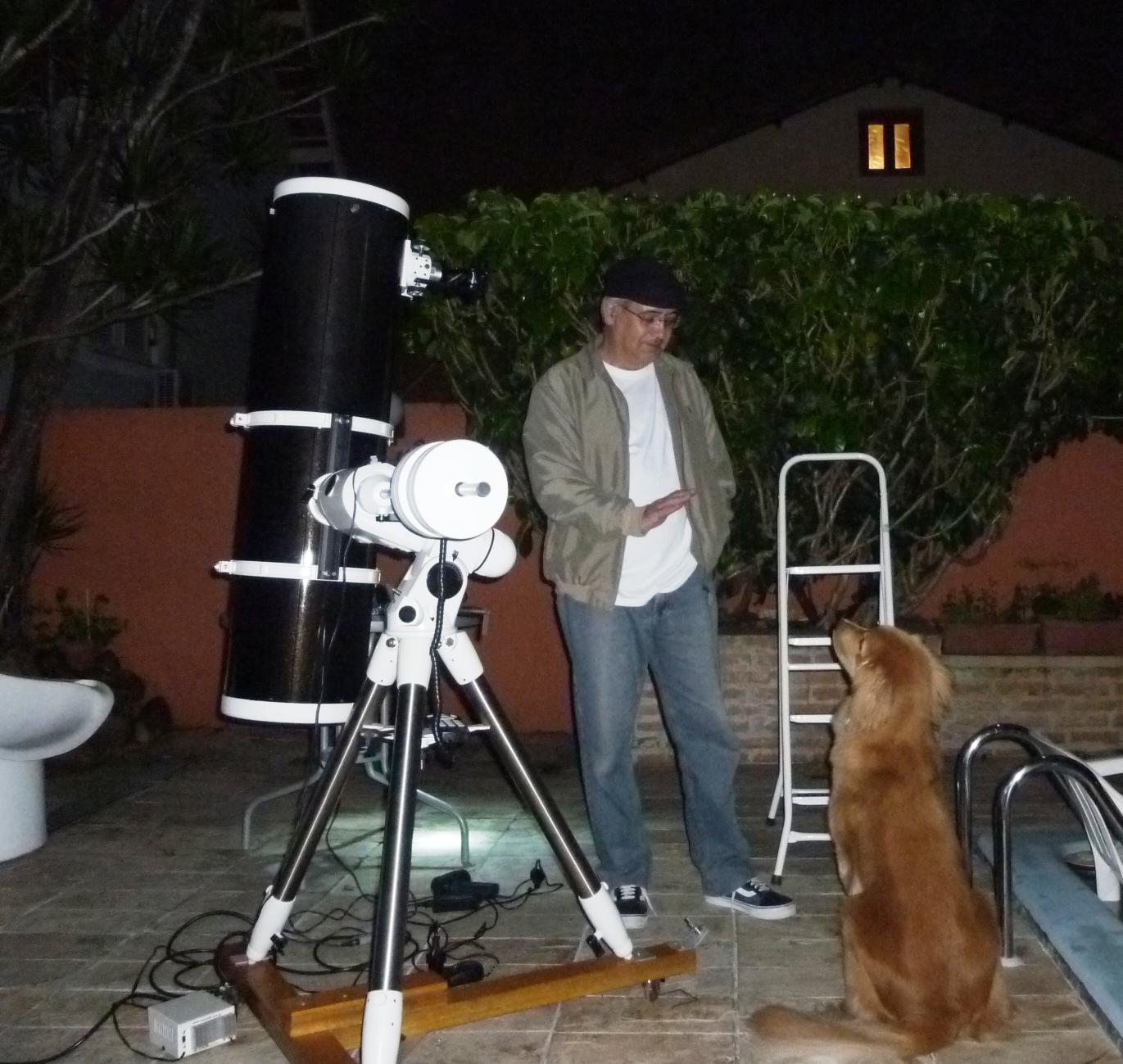 Equipamento e astrônoma-assistente..