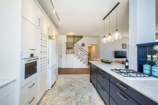 13_kitchen.jpg