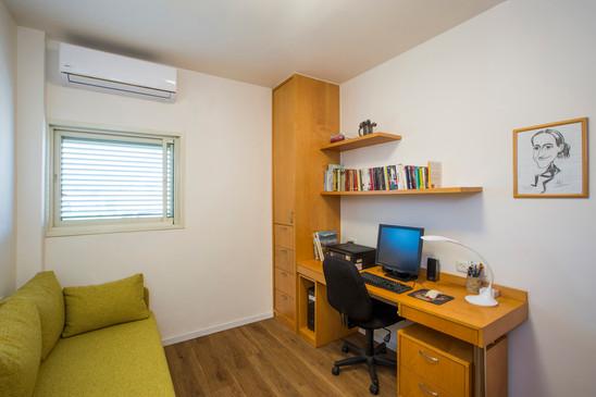 28_room.jpg