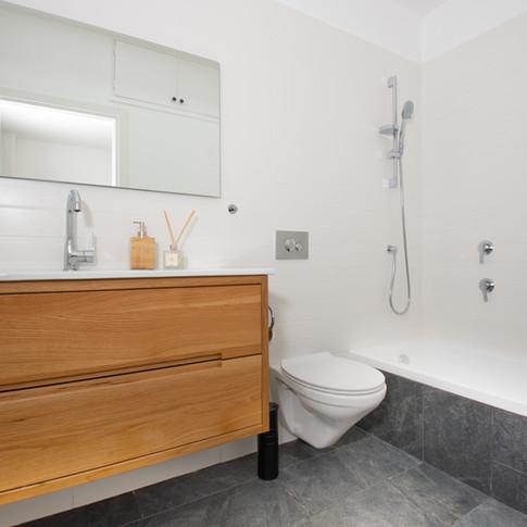 אמבטיה - 2.jpg