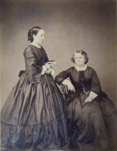 Rosa Bonheur y Natalie Micas en 1864.