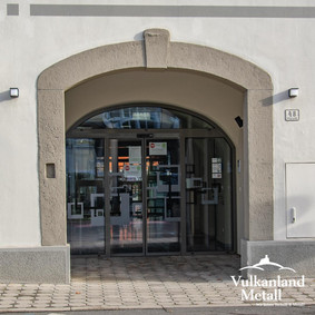 Eingangsportal in Feldbach