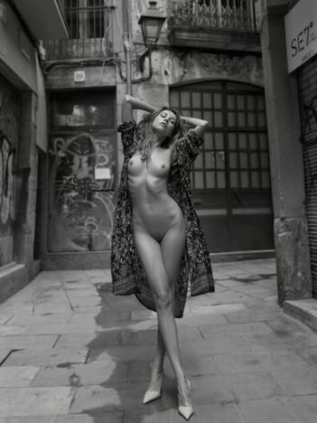 anna-venice-anna-orlova-nude-model-06.jp