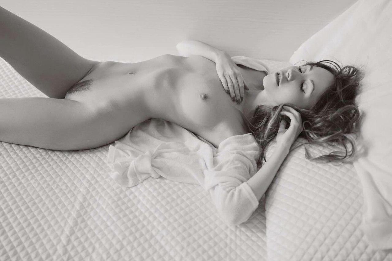 Anna burns model nude