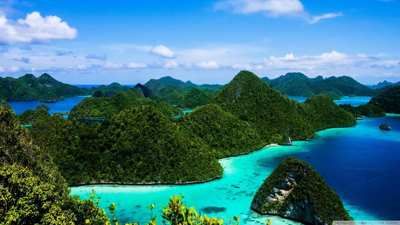 indonesia_islands_blue_water-wallpaper-12