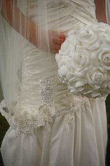 Lace trim wedding veil