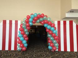 Full Swirl Balloon Arch