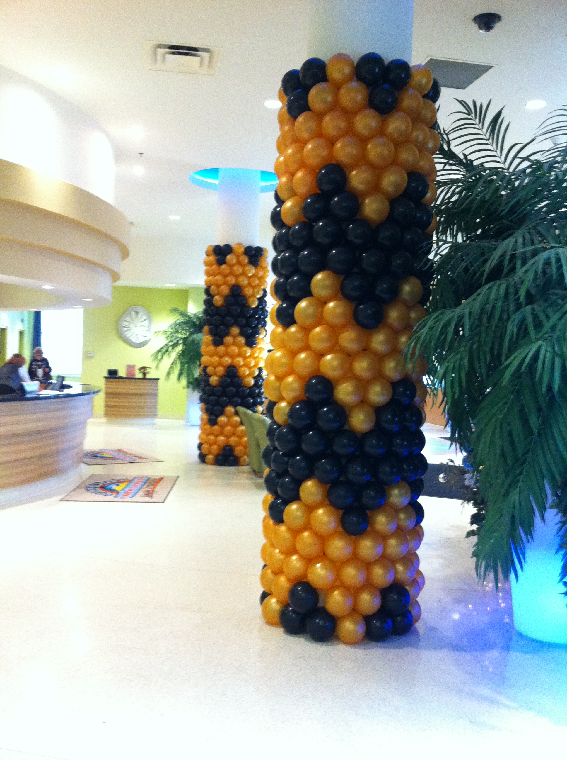 Chevron Pillar Wrap Balloons