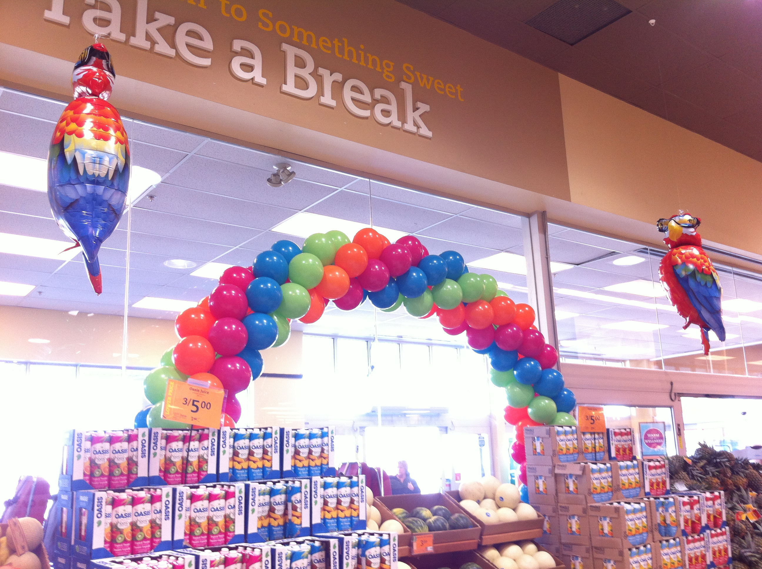 Full Swirl Balloon Arch