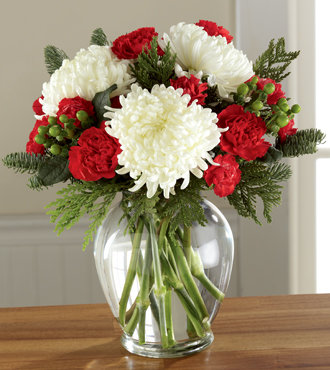 The FTD® Holiday Enchantment™ Bouquet B17-5131