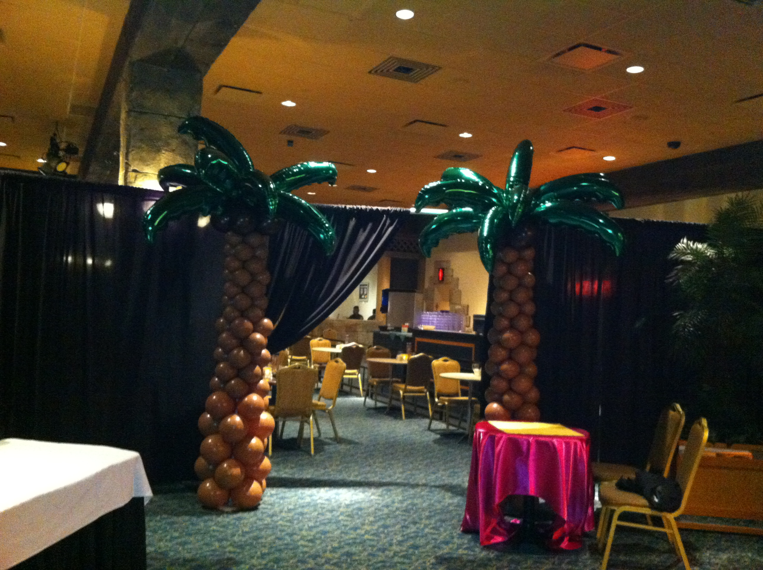Palm Tree Balloon Sculpture