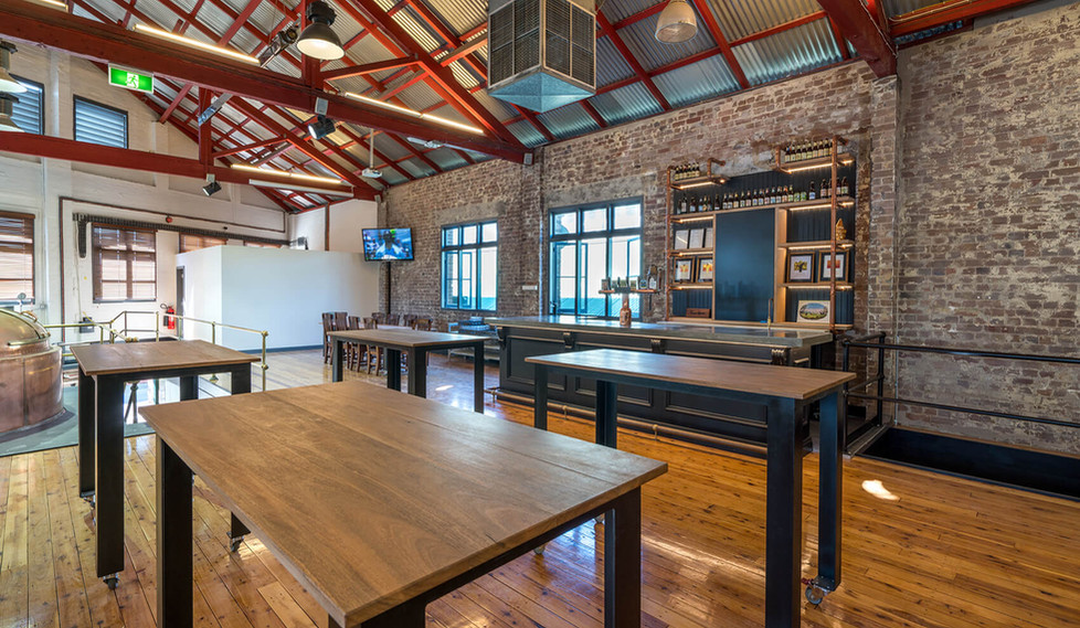 Lion Malt Shovel Bar - bar room interior design