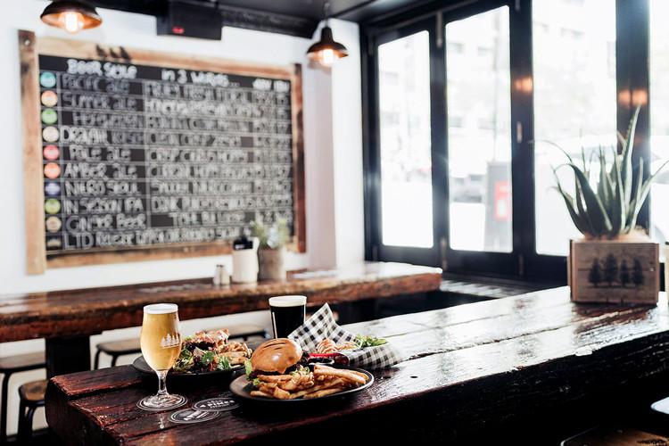 4Pines-Bar-Brisbane-dining-food