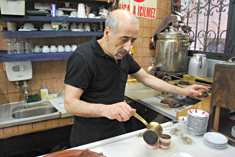 Master Turkish coffee maker Cemil Pilik at work