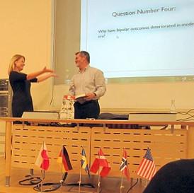 Psykiatrin gör oss galnare, menade Pulitzer-nominerad journalist på besök i Sverige
