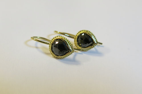 E35 - 18K Gold & Black Diamonds