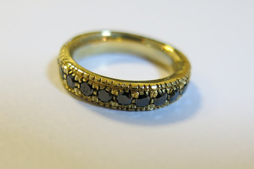 R28 - 18K Gold & Black Diamonds