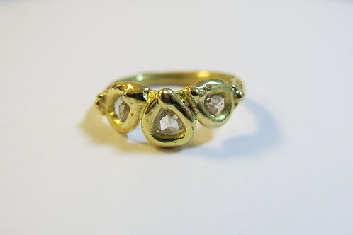 R24 - 18K Gold & Diamonds