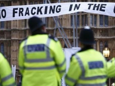 Βρετανία: «Τέλος» στις εξορύξεις με τη μέθοδο fracking, λόγω σεισμικών δονήσεων