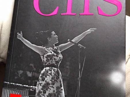 A primeira, a segunda e a terceira cantora do Brasil