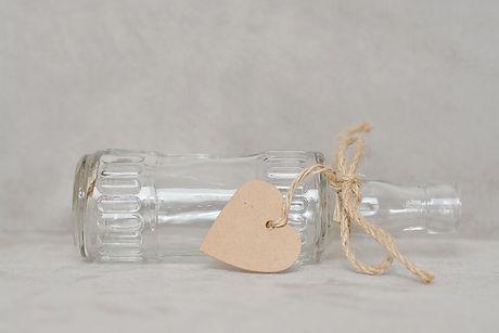 bottle-1282705_1920.jpg