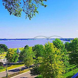 Mississippi River, Downtown Memphis, Hernando Desoto Bridge, Memphis Grizzlies steps