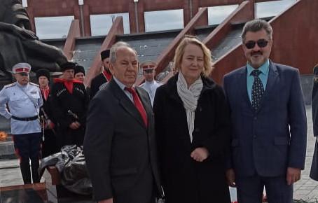 """Делегация БФ """"Достойная память"""" приняла участие в акции 06.05.2021 на мемориальном кладбище"""