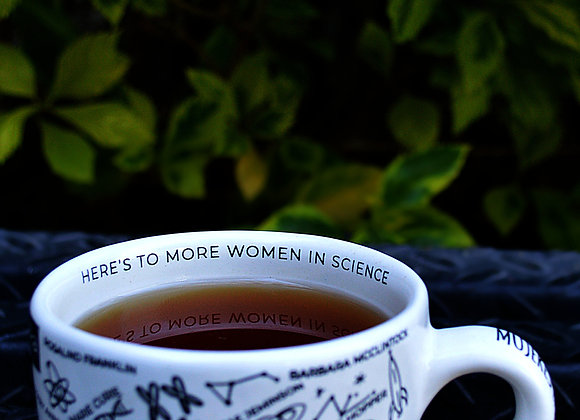 """Taza The Geek Squirrel® """"Women in Science"""""""