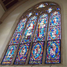 セントアンドリュース大聖堂のステンドグラスは本当にキレイ❣️_ぜひ一度、いえ何度