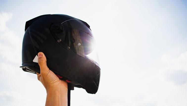 8-equipamentos-que-salvam-a-vida-de-motociclistas