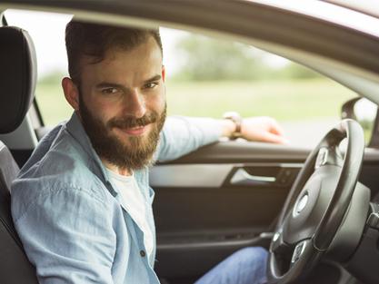 Veja o passo a passo de como virar um motorista Uber
