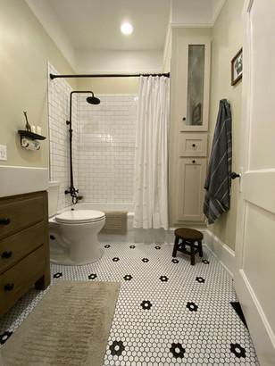 heatherhomes.clausenbathroom2.jpeg
