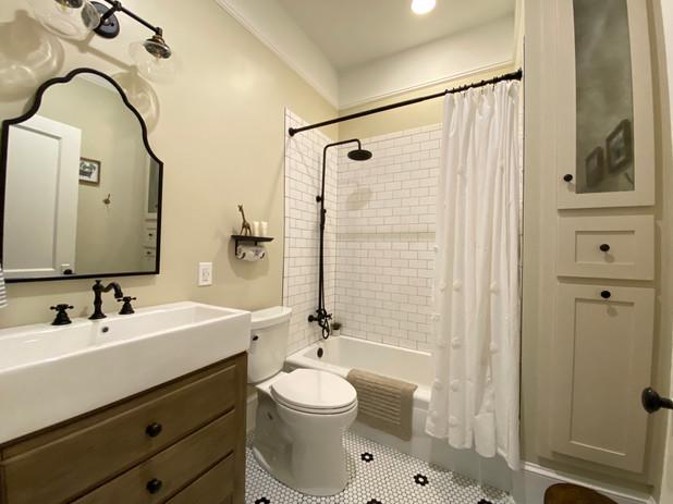 heatherhomes.clausenbathroom14.jpeg
