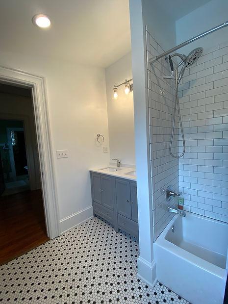 heatherhomes.bathroom8.jpeg