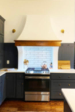 RANGE HOOD QUEEN ANNE.jpg