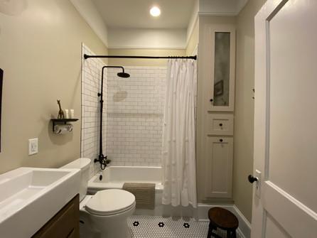 heatherhomes.clausenbathroom13.jpeg
