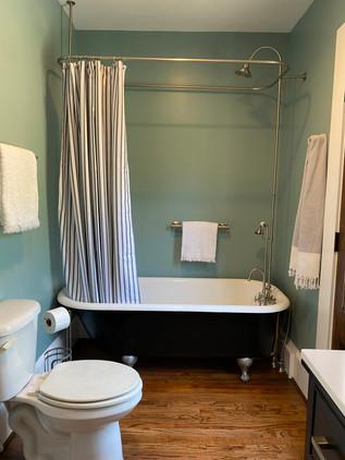 heatherhomes.sullivanbathroom12.jpeg