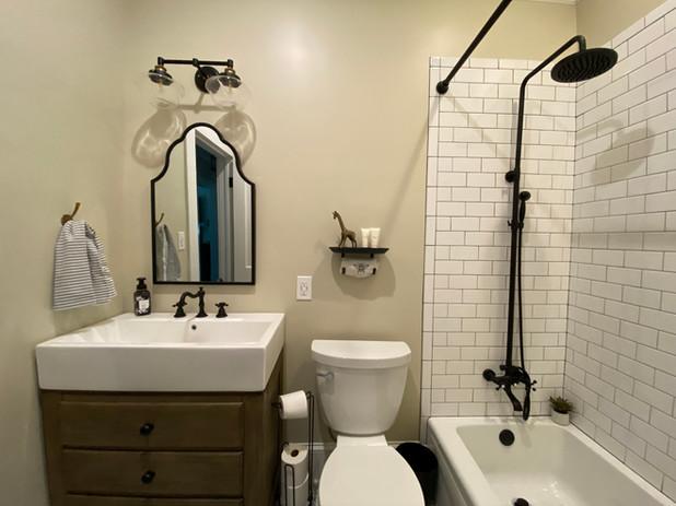 heatherhomes.clausenbathroom12.jpeg