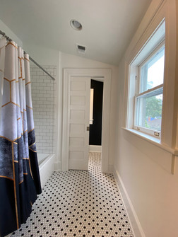heatherhomes.bathroom12.jpeg