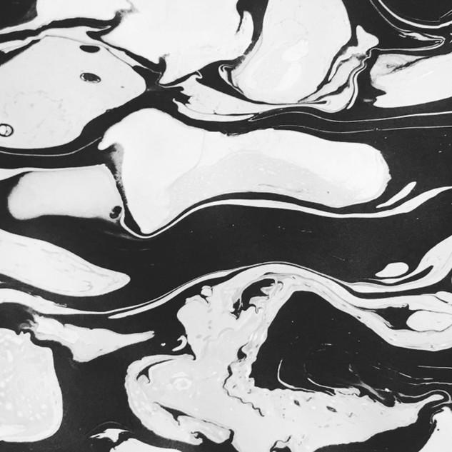 PATTERN STUDIO black and white marble pattern