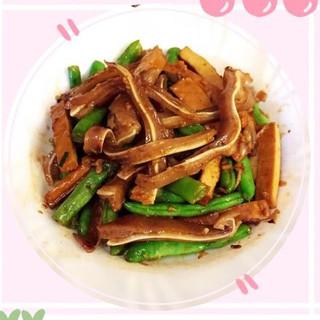 ELD32 (即食)麻辣豬耳(熟)(辣) 250g $48