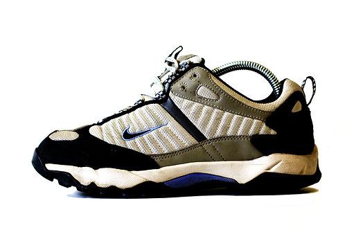 Nike 'ACG Walking Shoes' UK 6 2005