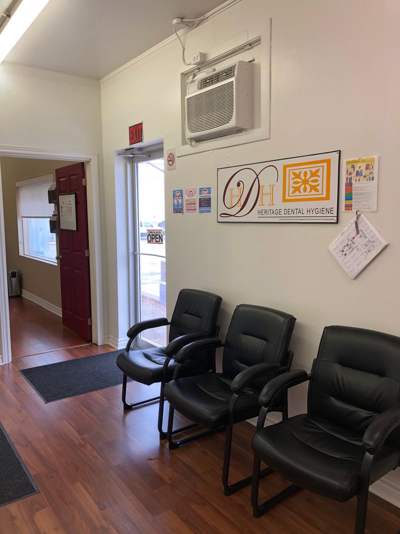 Waiting room119F4FF1-ADF3-4967-A4E6-8EB2