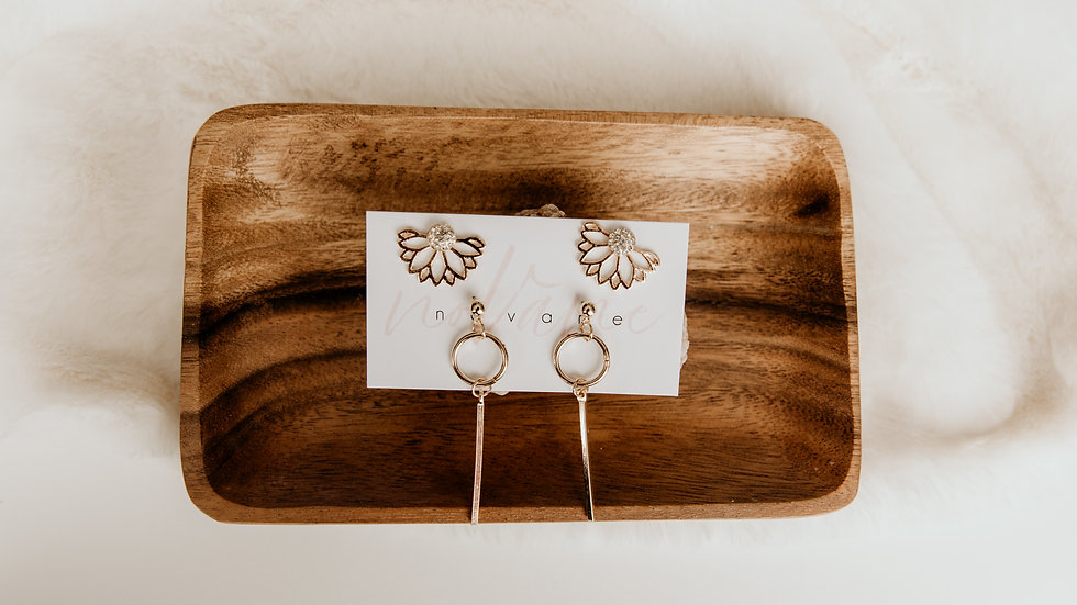 Gold Flower & Drop Earrings Set