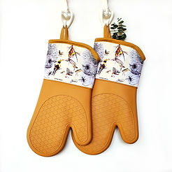 8881300330002oven_mitts_hung.jpg